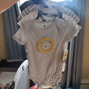 Size 12 month cute onesies (4)